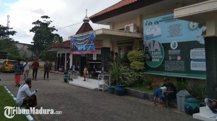Total 16.000 Keping Blangko E-KTP di Sampang Bakal Habis Antara Satu Hingga Dua Bulan ke Depan