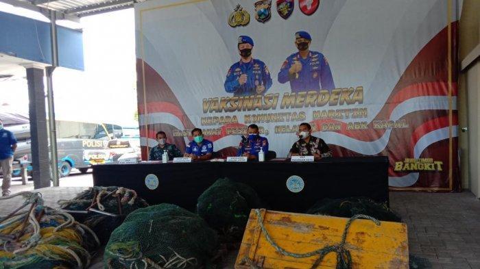 Enam Kapal Nelayan Diamankan Ditpolairud Polda Jatim, Usai Jaring Ikan Pakai Alat yang Dilarang