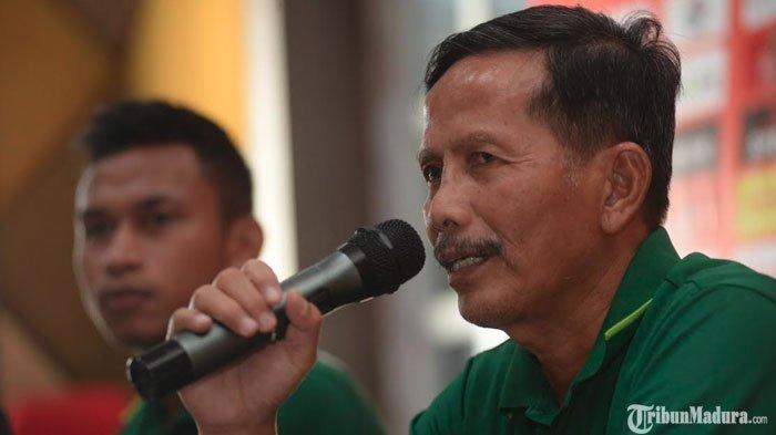 Pelatih Persebaya Surabaya Tanggapi Kemungkinan Madura United Bermain TanpaAndik Vermansah