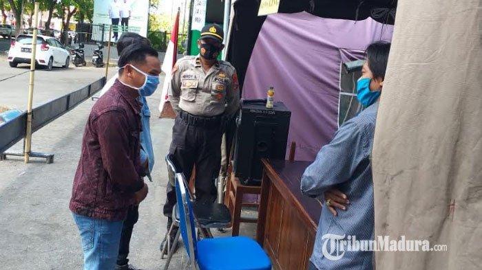 Tidak Pakai Masker, Dua Pemuda di Pamekasan Dihukum Melafalkan Pancasila dan Menghafal Rukun Islam