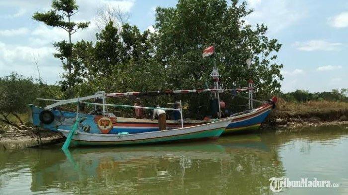 Nelayan BangkalanSepakatSita Perahu dan Jaring Trawl Milik Nelayan Nakal, Beri Efek Jera Pelanggar