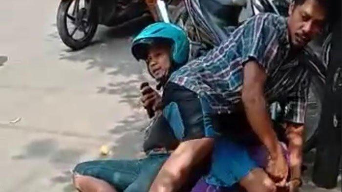 Dua Pria Lumpuhkan Seorang Pelaku Perampasan Kalung Emas Pakai Jurus Smackdown di Pecinan Bangkalan