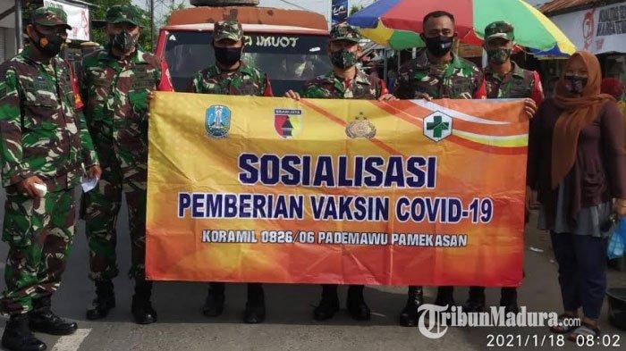 Anggota Koramil Pademawu Blusukan ke Pasar Mongging, Berikan Sosialiasi Prokes & Vaksinasi Covid-19