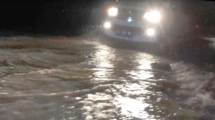 Di Tengah Kepanikan Banjir Bandang di Desa Banjarpanjang Magetan, Pencuri Gondol Uang Rp 100 Juta