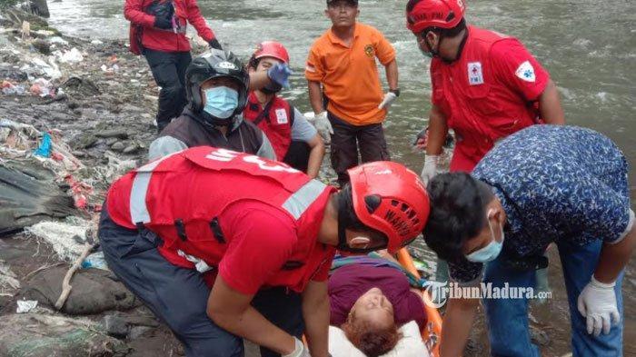 Mau Buang Sampah, Wanita ODGJ Jatuh ke Sungai Brantas, Diduga Sengaja Melompat dari Jembatan