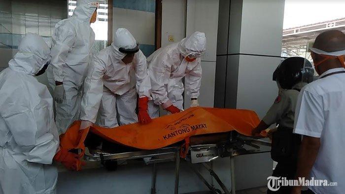 BREAKING NEWS - Mayat Pria Ditemukan di Dalam Toilet Kantor BRI Sampang