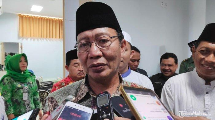 Bupati Tuban Tak Segan PecatPembuat Kalender Prabowo-Sandi Menyerupai Logo PemkabJika Seorang PNS