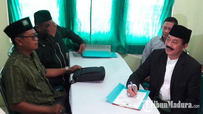Kepala DishubJatimMaju pada Pilkada Sumenep 2020,Fattah Jasin Ambil Formulir di DPC PKB Sumenep