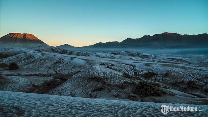 Ada Fenomena Frost atau Embus Upas,Gunung Bromo Makin Banyak Diminati Wisatawan