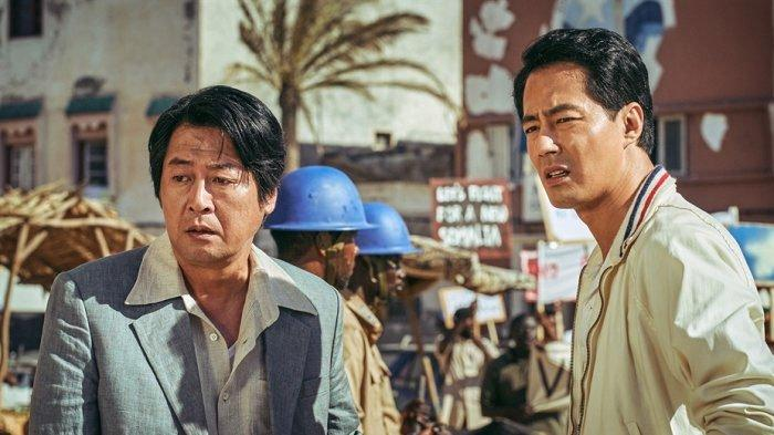 Sinopsis Escape From Mogadishu, Film Korea Terbaru Jo In Sung, Menarik Perhatian Karena Suara Adzan