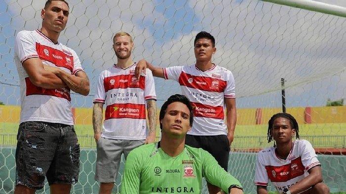 Madura United Kenalkan Jersey Baru Jelang Liga 1, Desain Terinspirasi dari Baju Adat Madura Pesa'an
