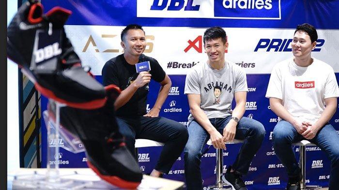 Tak Bisa Main Basket Karena Sepatu Identik Mahal, Kini Hadir Sepatu Basket Harga Rp 300 Ribuan