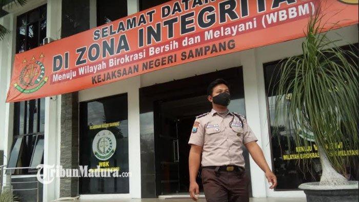 Kasus Dugaan Penyelewengan Dana Desa, Penahanan Kades Tanah Merah Diperpanjang 40 Hari