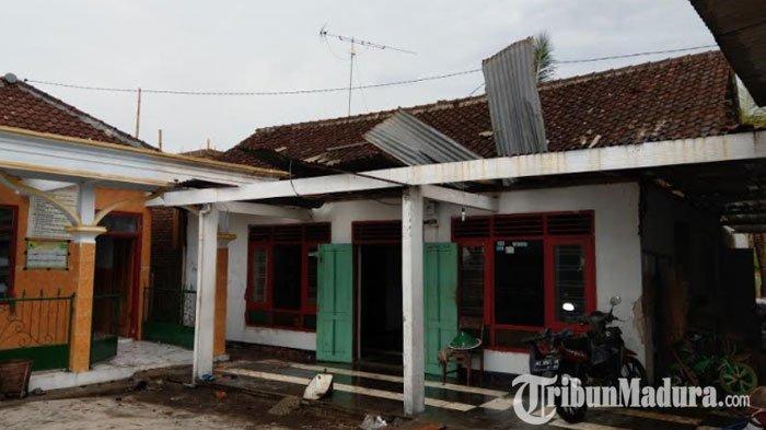 Warga Trenggalek Jatuh dari Atap Rumah saat Terjadi Angin Puting Beliung, Begini Kondisinya