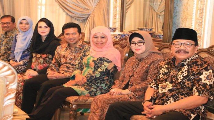 Khofifah dan Emil Dardak Silaturahmi Lebaran ke Rumah Pakde Karwo, Menu Istimewa ini yang Disuguhkan