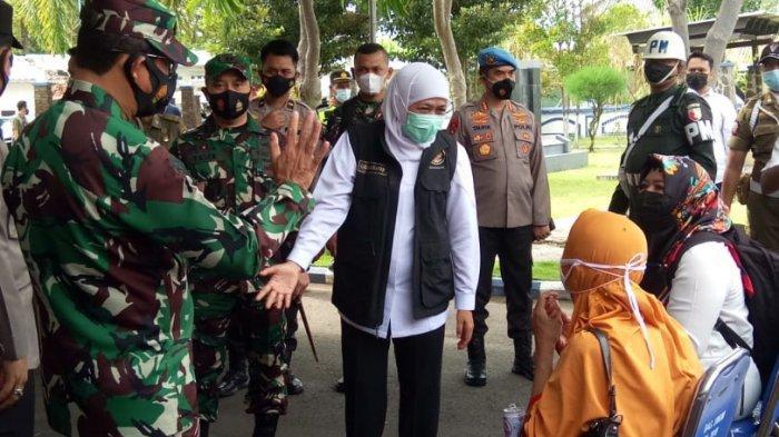 BREAKING NEWS - Gubernur Khofifah hingga Kapolda Jatim Tinjau Vaksinasi Skala Besar di Sampang