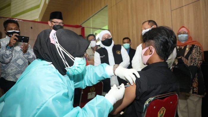 Mulai Pekan Depan Gubernur Khofifah Pastikan Vaksinasi Covid-19 untuk Disabilitas dan SDM Kesehatan