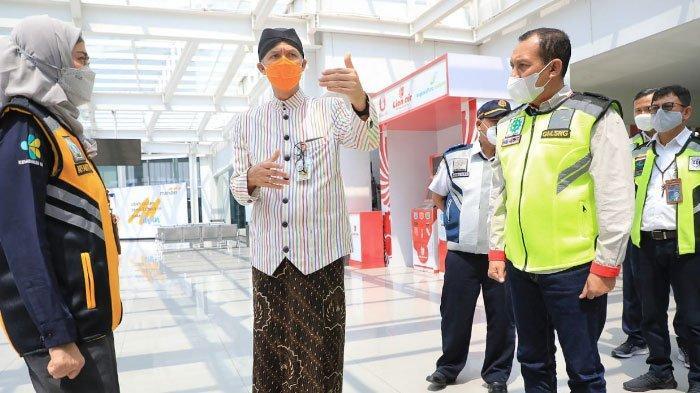 Ganjar Pranowo Sidak ke Bandara Ahmad Yani Semarang, 'Marahi' Petugas Soal SOP Validasi Covid-19