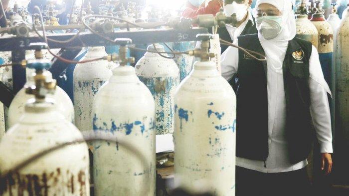 Gubernur Jawa Timur Khofifah Indar Parawansa mengintruksikan agar produsen oksigen yang biasa memasuki kebutuhan industri seratus persen dialihkan untuk seratus persen pemenuhan kebutuhan oksigen medis.I