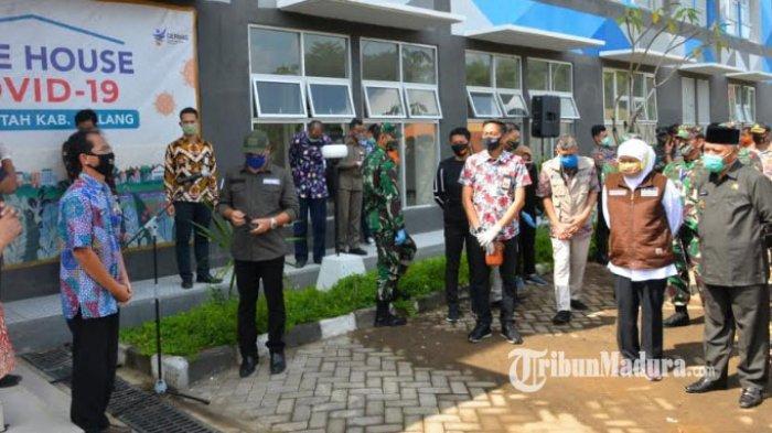 Jelang PSBB Malang Raya, Khofifah Tinjau Safe House untuk Isolasi Pasien Covid-19 di Kepanjen