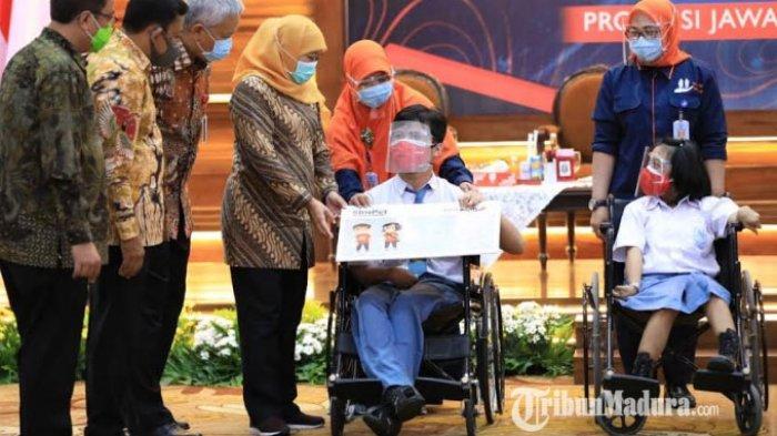 Gubernur Jatim Khofifah Ajak Siswa Rajin Menabung dan Pintar Literasi Keuangan Lewat Program 'Kejar'