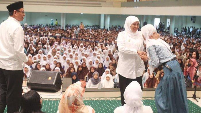 Bantuan Seragam Gratis Siswa Baru SMA/SMK Bakal Diserahkan Pemprov Jatim pada September Mendatang