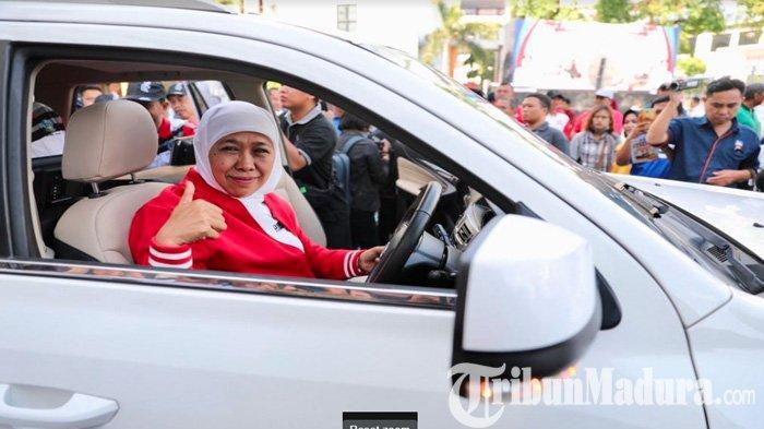 Jajal Ketangguhan Mobil Lowo Ireng Reborn & Motor Gesits Karya ITS, Khofifah Inden Beli Mobil Esemka