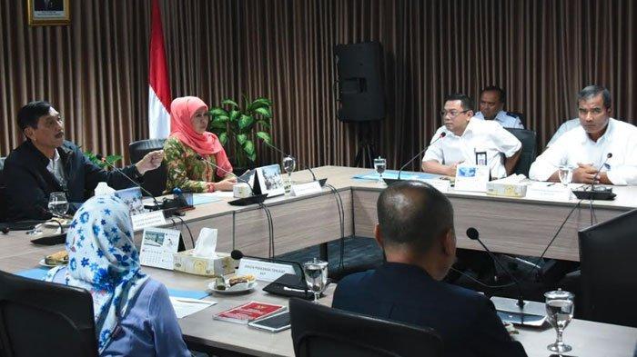 Gubernur Jatim Khofifah Inginkan Pengurusan Perizinan Kapal Nelayan Dipermudah, Caranya Lewat Online