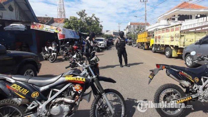 BREAKING NEWS - Tim Densus 88 Gerebek Rumah di Surabaya yang Ditempati Terduga Teroris