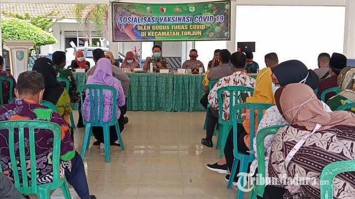 Tangkal Hoax, Gugus Tugas Kecamatan Torjun Sampang Sampaikan Pemahaman Tentang Vaksin Covid-19