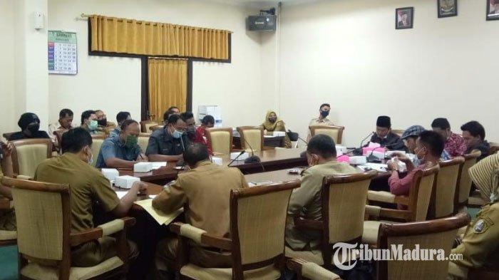 Pemkab Minta Rumah Dinas Segera Dikosongkan, DPRD Bakal Pertemukan Guru dengan Bupati Sampang