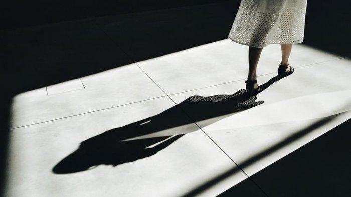 Bayangan Misterius di Rumah Buat Alwan Curiga, Temukan Sosok Tak Terduga di Kamarnya: Saling Pukul