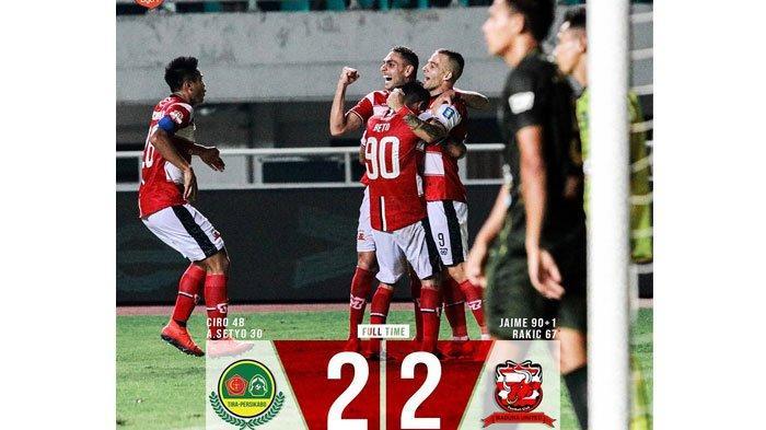 Sempat Tertinggal 2 Gol,Madura United Tahan ImbangPS Tira Persikabodi Stadion Pakansari