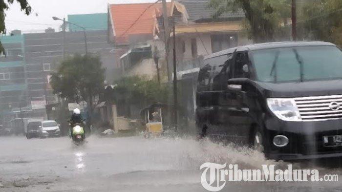 Bangkalan Diterjang Hujan Lebat dan Angin Kencang, BPBD: Berpotensi Terjadi hingga Sepekan ke Depan