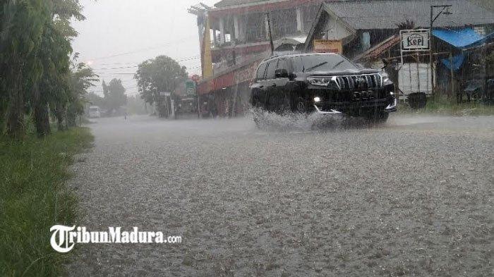 Hujan Deras Mengguyur Jatim saat Musim Kemarau Terjadi Karena Gelombang Equatorial Rosby, Apa Itu?