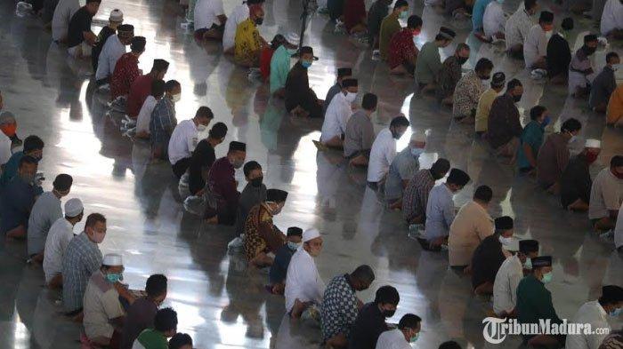 Bupati Gresik Minta Khotbah saat Pelaksanaan Salat Idul Fitri 2021 Dipercepat Menjadi 10 Menit