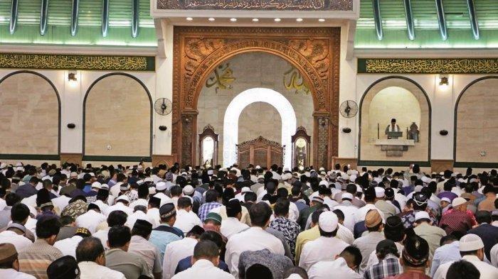MUI Jatim Imbau Masyarakat Tidak Melaksanakan Salat Jumat di Masjid untuk Cegah Virus Corona