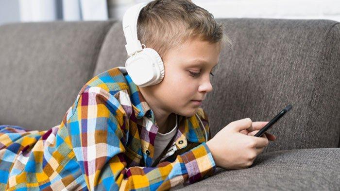Waspada, Jangan Pakai Headset Bervolume Kencang, Bikin Gangguan Pendengaran, Perhatikan Batas 4 Jam