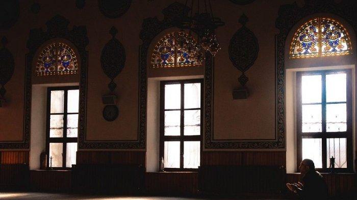 Bacaan Sholawat Nariyah Tulisan Arab, Latin dan Serta Terjemahannya, Berikut 4 Keutamaan Membacanya