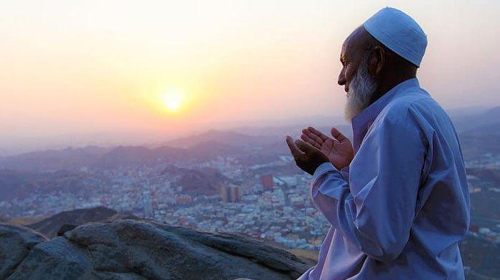Doa dan Dzikir Murah Rezeki Setelah Sholat Subuh, Lengkap dalam Bahasa Arab, Latin beserta Artinya