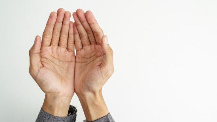 Inilah Posisi Tangan saat Berdoa yang Dianjurkan saat Berdoa, Ustaz Adi Hidayat: Cepat Dikabulkan