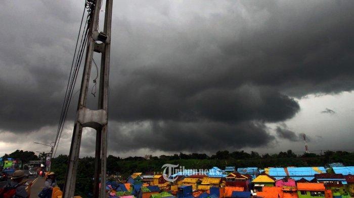 Pemkot Surabaya Imbau Warga Waspada Anomali Cuaca di Surabaya, Cenderung Tak Bisa Diprediksi