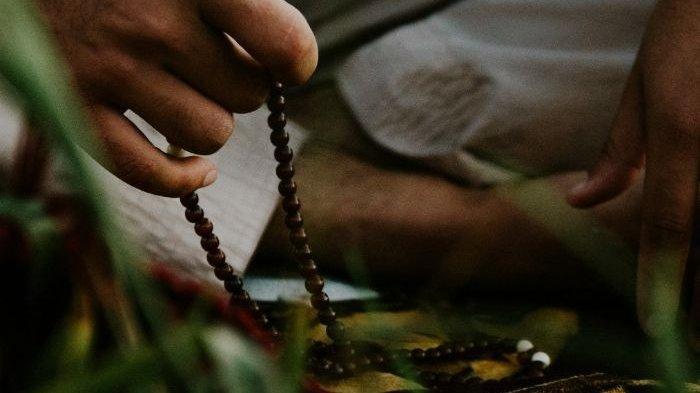 Bacaan Doa dan Dzikir saat Terbangun di Malam Hari, Manfaatnya Luar Biasa, Hajatnya Akan Dikabulkan