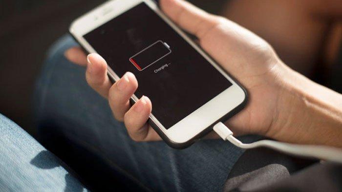 SEGERA HENTIKAN 7 Kebiasaan Buruk Bikin Baterai HP Rusak, Pakai Power Bank Hingga Ditinggal Tidur