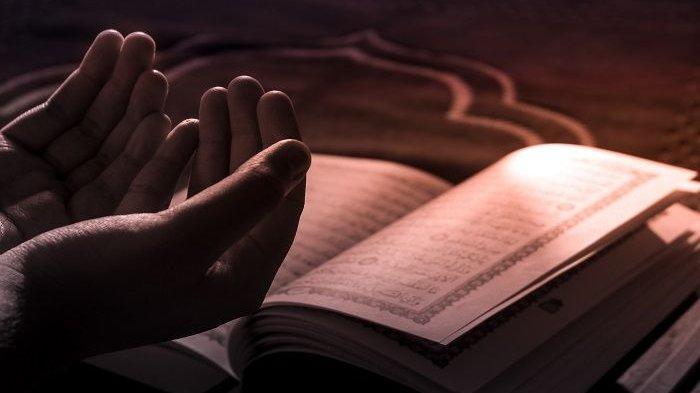 Sederet Amalan Sunnah Hari Jumat Menurut Syekh Ali Jaber, Lengkap Penjelasannya: Membaca Al Kahfi