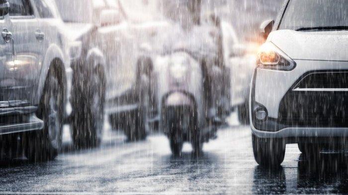 Waspada Tekanan Angin Ban Mobil Harus Diperhatikan Terlebih Saat Musim Hujan, Simak Penjelasan Ahli