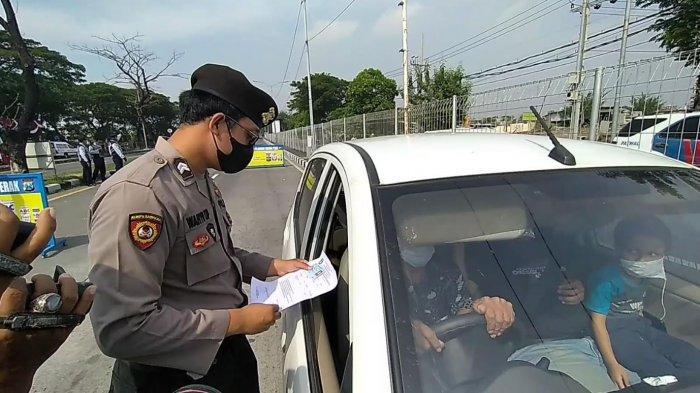 Warga yang Bekerja dan Keluar Masuk Surabaya Wajib Bawa SIKM, Tapi Belum Ada yang Mengurus, Mengapa?