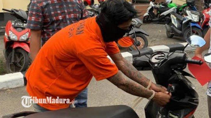 Meski Sudah Kunci Setir, Motor Honda Beat di Surabaya Raib Saat Ditinggal Pemiliknya Salat