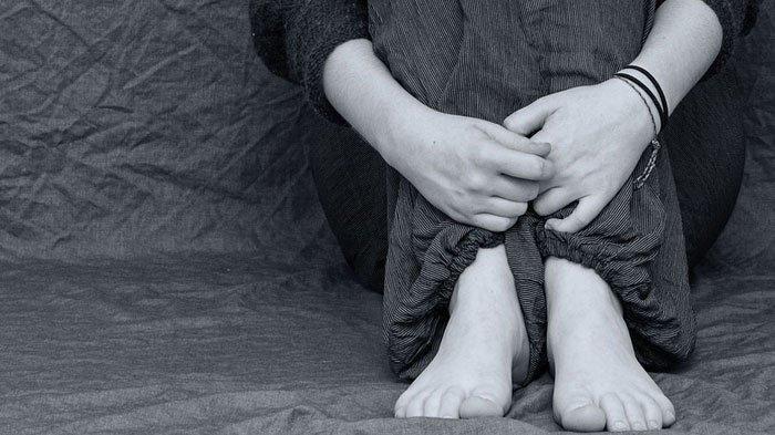 Kakek Nikmati Nonton Cucunya Disetubuhi Pemuda, Bayar Tetangga Agar Mau Gauli Korban di Rumahnya