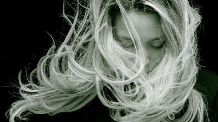 Arti Mimpi Rambut Rontok saat Keramas Menurut Primbon, Pertanda Datangnya Gangguan Dalam Hidup Anda